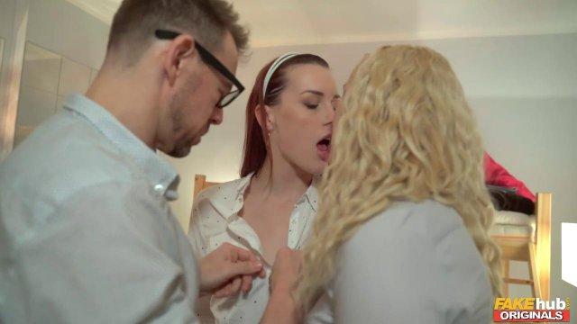 Две красивые подружки трахаются с администратором фейкового хостела